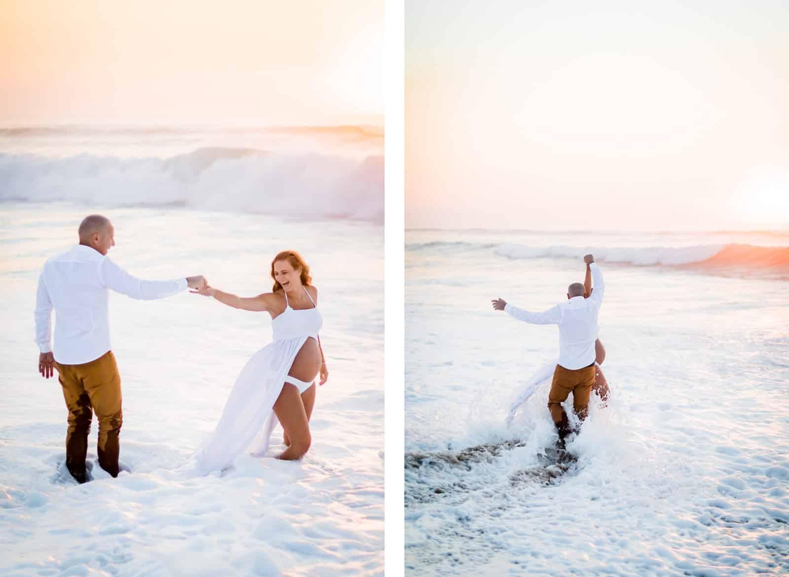 Photographie de Mathieu Dété, photographe de mariage et famille à Saint-Gilles de la Réunion 974, présentant des futurs parents amoureux allant se baigner dans l'Océan Atlantique