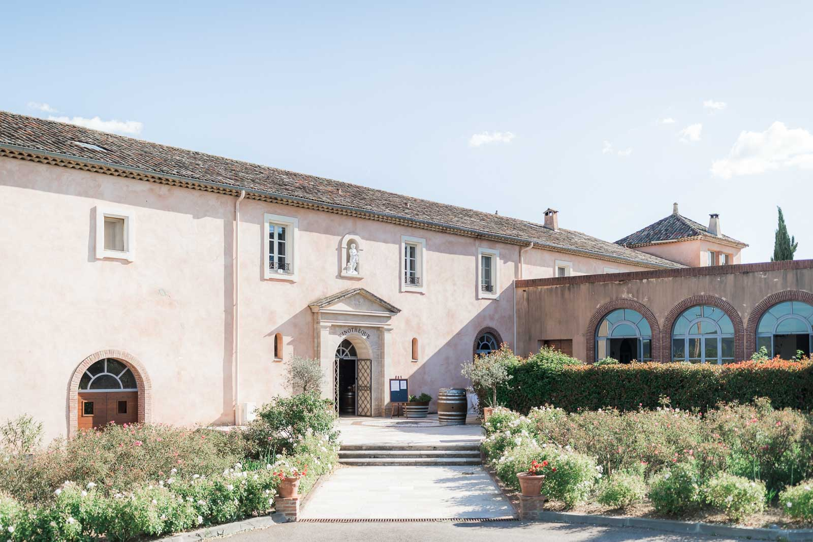 Photographie de Mathieu Dété présentant l'extérieur du Château Saint Julien d'Aille