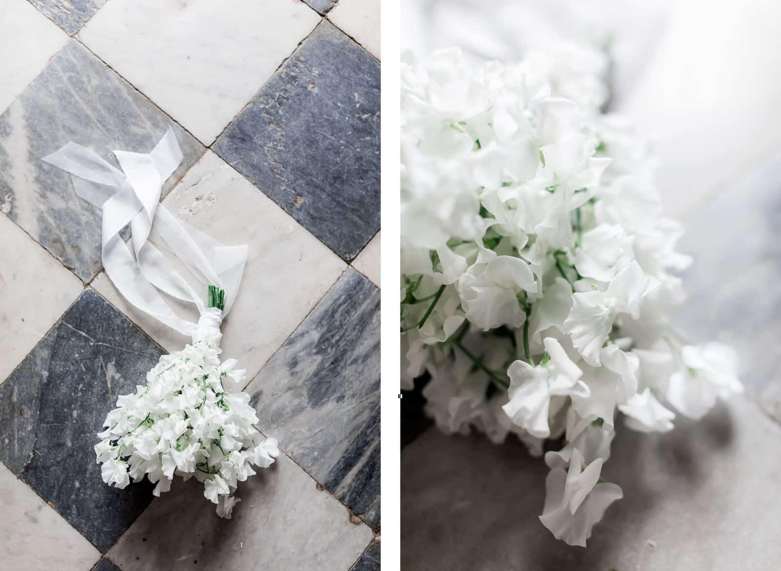 Photographie de Mathieu Dété présentant le bouquet de la mariée dans la Villa Brignac à Ollioules
