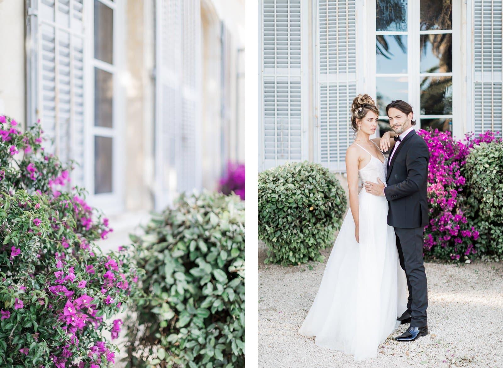Photographie de Mathieu Dété présentant les mariés devant la façade de la Villa Brignac à Ollioules