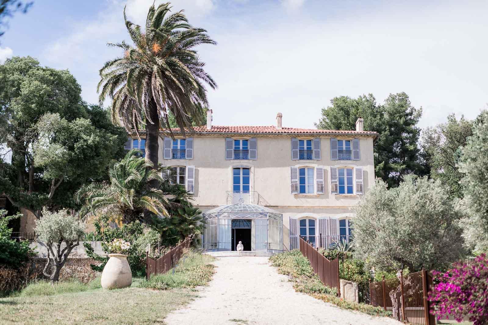 Photographie de Mathieu Dété présentant la façade de la Villa Brigac