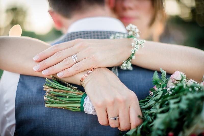 Les mariés, détails