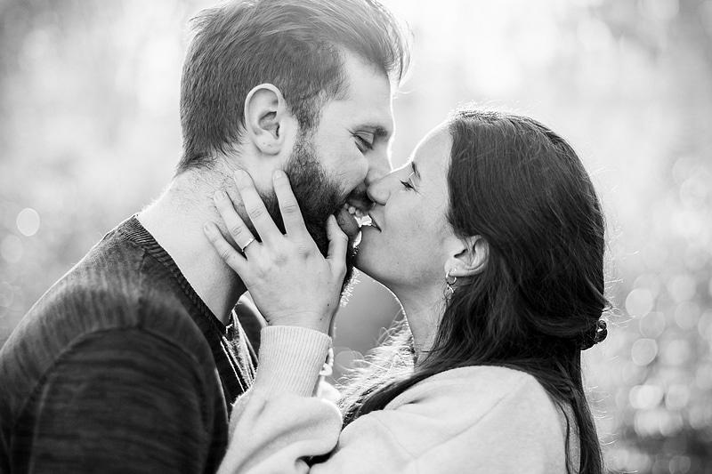 Portrait serré de couple - Photographe mariage portrait Toulouse
