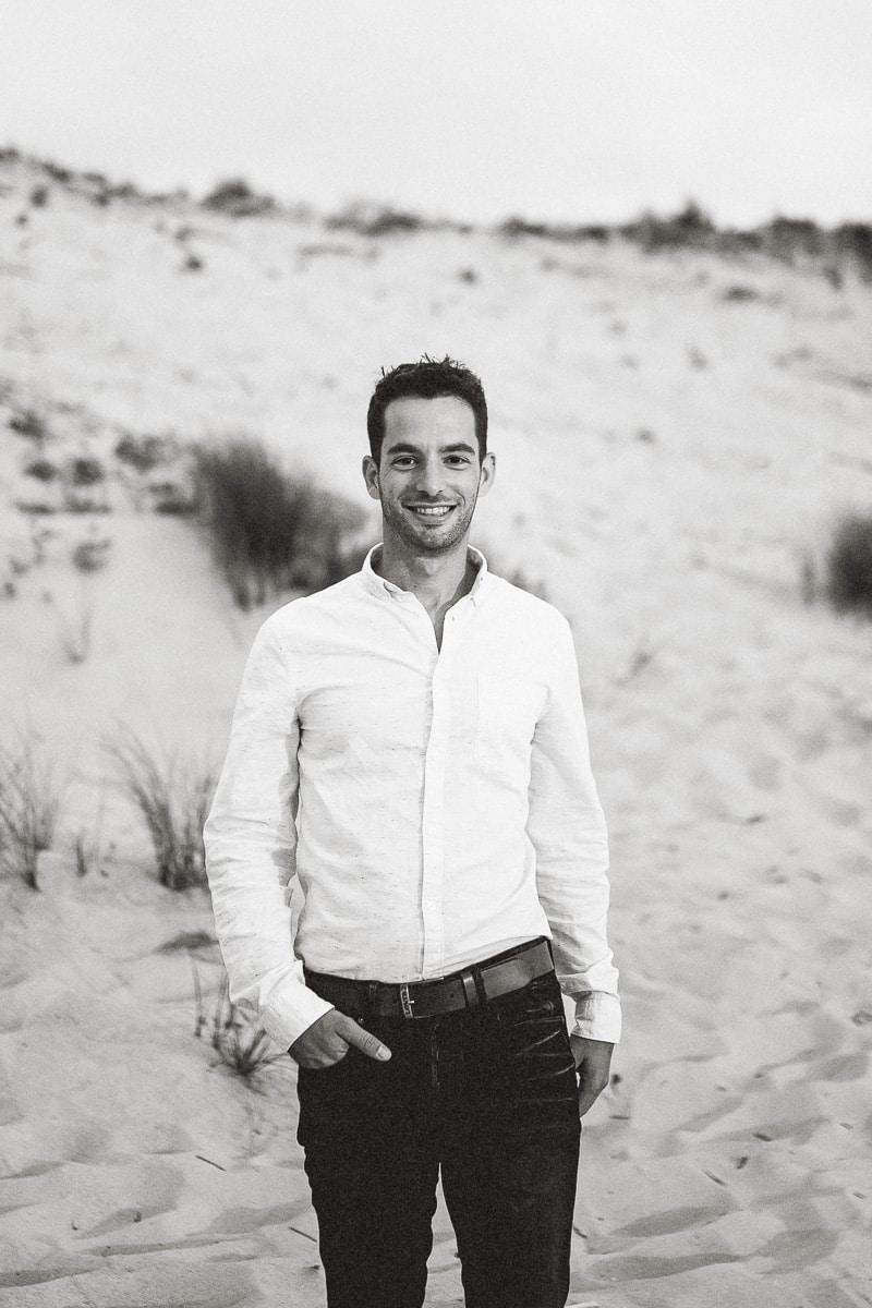 Mathieu Dété, portrait du photographe sur la plage